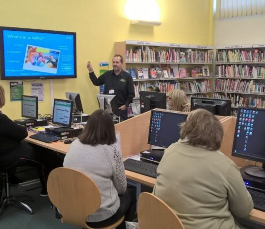 Learning digital skills at a South Gloucestershire Online Centre